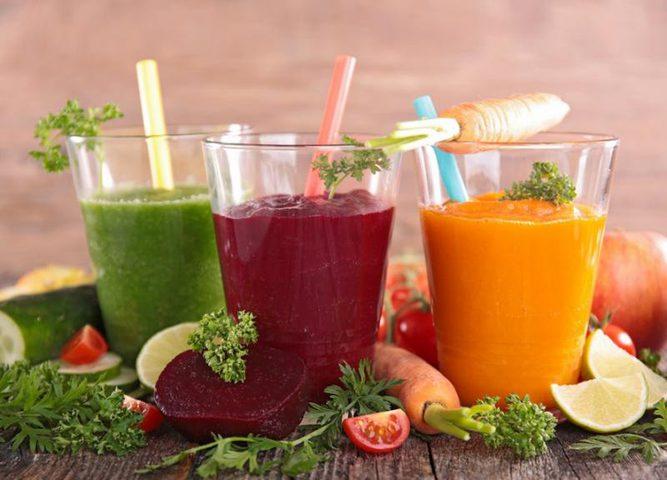 4 مشروبات ضرورية للحامل في فصل الصيف
