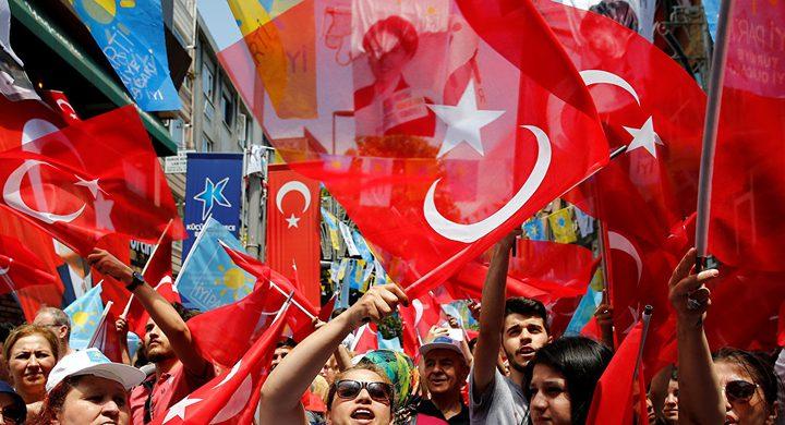نائب عربي يتحدى الكنيست ويهنئ أردوغان