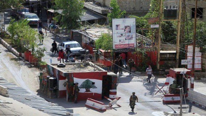 الجيش اللبناني يزيل البوابات الإلكترونية الموضوعة على مداخل مخيمي عين الحلوة والمية مية