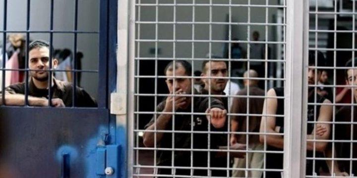 أسيران من الخليل يدخلان عاميهما الـ16 والـ17 في سجون الاحتلال
