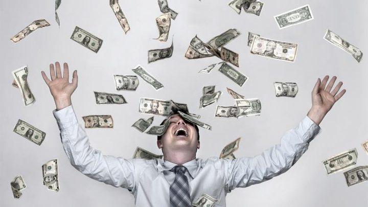 كم من الوقت تحتاج لتصبح مليونيرا؟