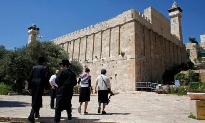وزير إسرائيلي يقتحم الحرم الإبراهيمي