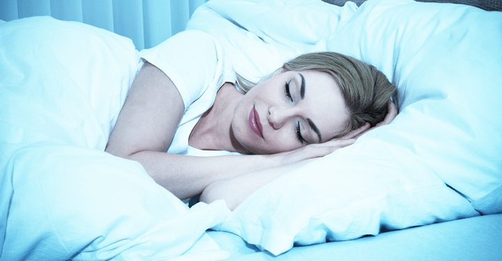 أيهما أكثر خطورة قلة النوم أم كثرته؟