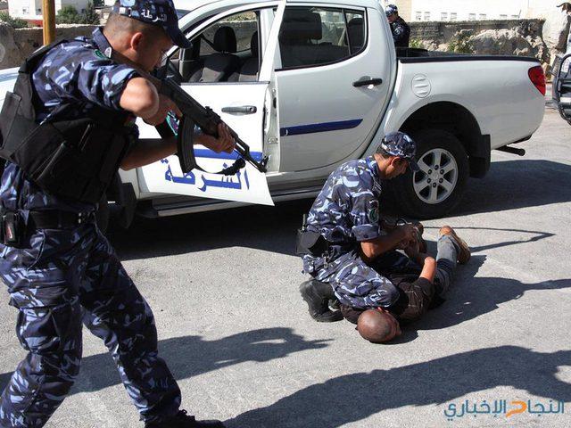 القبض على مطلوب صادر بحقه ٦ أوامر حبس في نابلس
