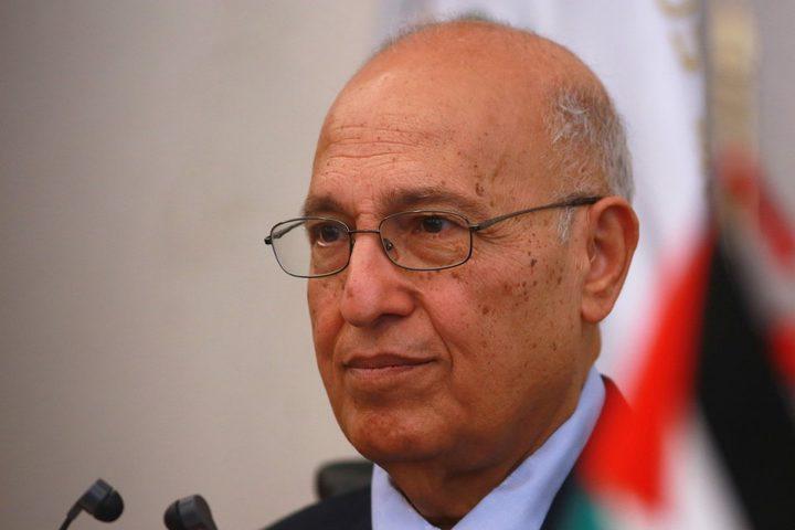 شعث: الاشتراكية الدولية تتبنى قرار مقاطعة ومعاقبة إسرائيل والاعتراف بفلسطين
