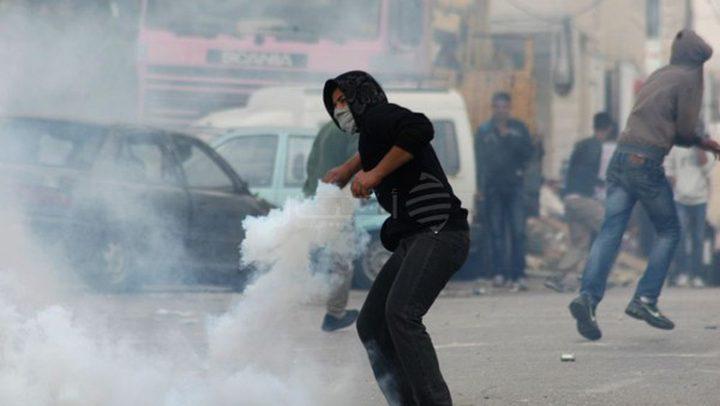 إصابات بالاختناق في مواجهات مع الاحتلال وسط الخليل