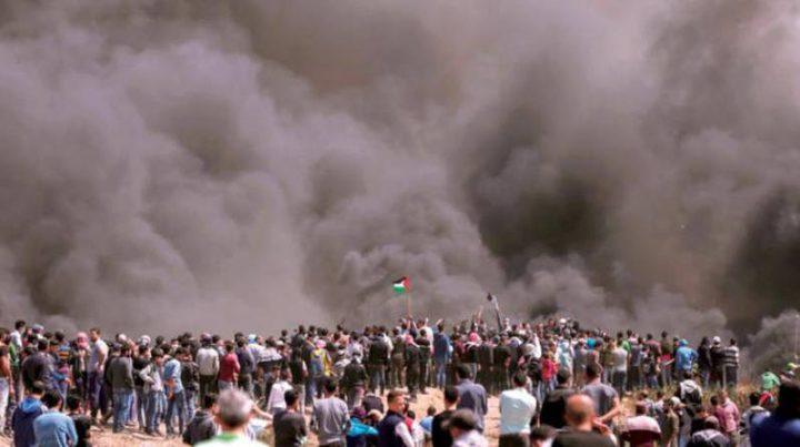 شهيدان و415 إصابة بالرصاص والاختناق على حدود غزة