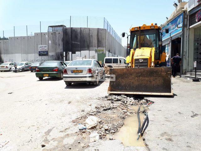 """""""جيحون"""" الاسرائيلية تواصل قطع المياه عن أحياء بمخيم شعفاط"""