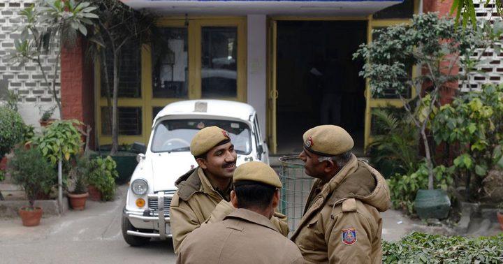 مذبحة غامضة بالهند.. 10 جثث معلقة بسقف منزل