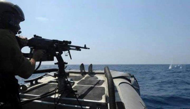 بحرية الاحتلال تطلق نيران رشاشاتها تجاه مراكب الصيادين شمال غزة