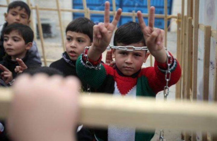 أطفال طولكرم يتضامنون مع الأسرى في سجون الاحتلال