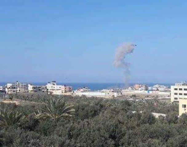 نجاة مواطنين من صاروخ إسرائيلي شرق رفح