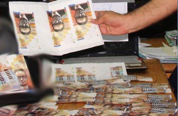ضبط مصنع لتزييف العملة في غزة