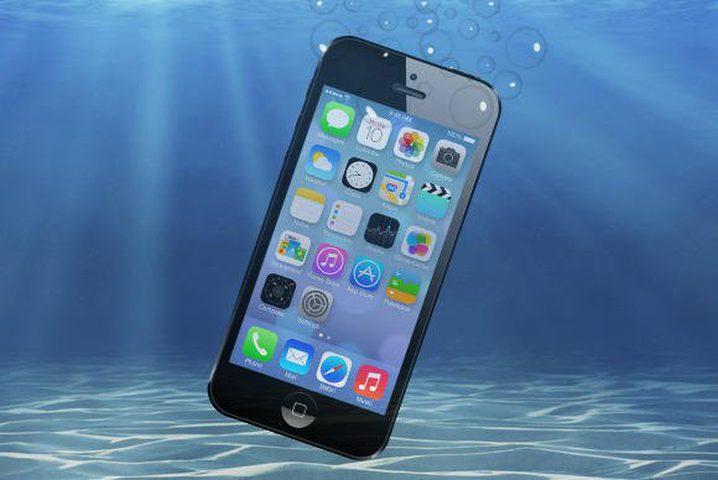«رسالة ضوئية» تعيد هاتف آيفون من قاع البحر