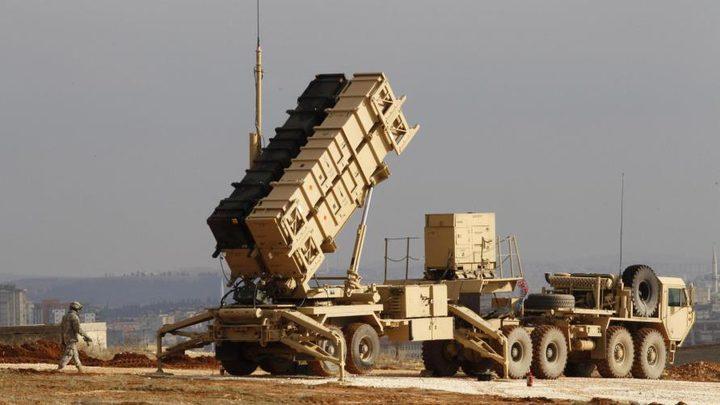 الاحتلال يطلق صاروخا على طائرة في الشمال