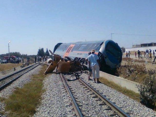 مصر: اصابات في انقلاب 4 عربات من قطار الصعيد