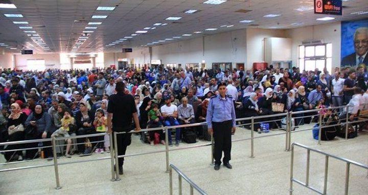 60 ألف مسافر تنقلوا عبر الكرامة