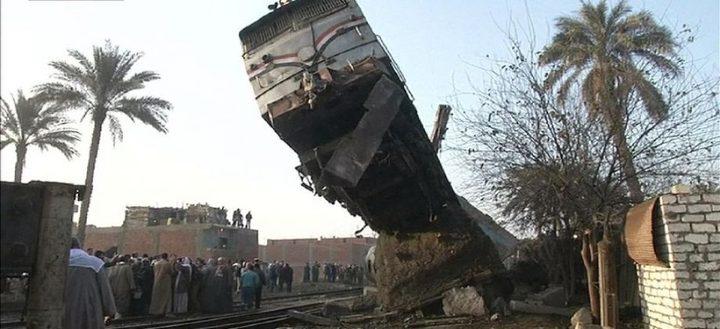 مصر : إصابة نحو 60 شخصاً بحادث انقلاب قطار