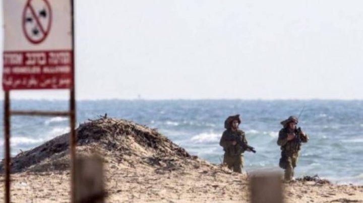 """الاحتلال يغلق شاطئ """"زكيم"""" بعسقلان"""