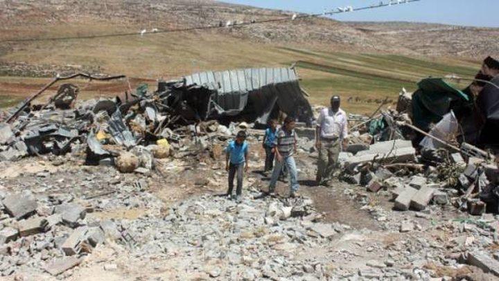 الاحتلال يهدم خربة المراجم جنوب دوما