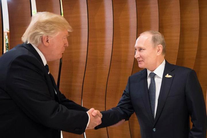 """ملفات """"شائكة"""" على أجندة ترامب وبوتن"""