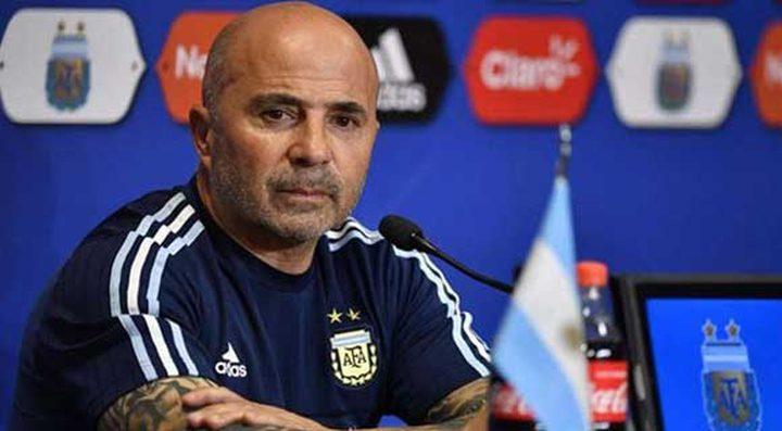الأرجنتين تقيل مدربها سامباولي