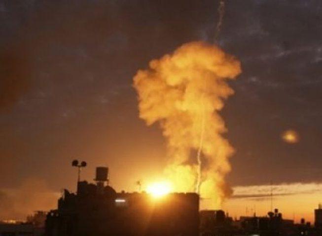 4 اصابات إثر قصف طيران الاحتلال لمنزل شرق غزة