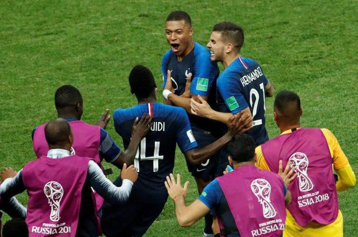 جائزة المنتخب الفرنسي بعد فوزه بكأس العالم