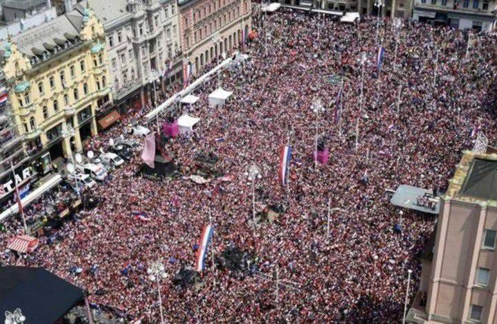 استقبال شعبي كبير لأبطال منتخب كرواتيا بزغرب