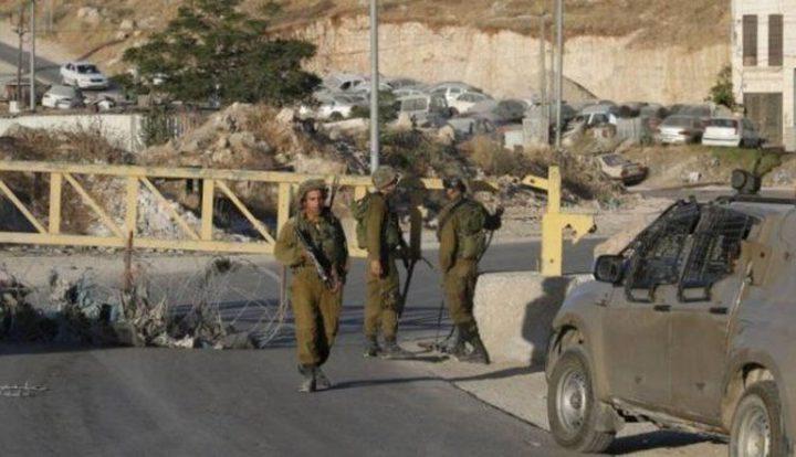 الاحتلال يستغل الأموال الفلسطينية لتطوير حواجزه