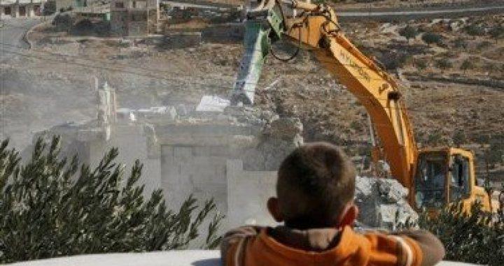 جرافات الاحتلال تهدم منزلين بأريحا