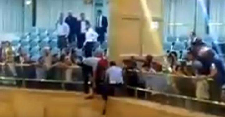 فيديو: شخص يحاول الانتحار في مجلس النواب الأردني