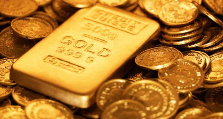 الذهب ينخفض لأقل سعر في عام مع ارتفاع الدولار