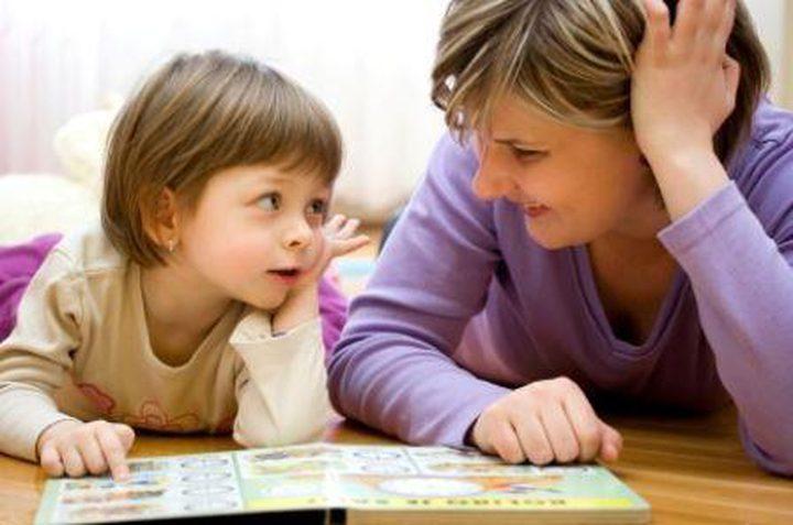 تصرفات تخبرك بمحبة طفلك لك
