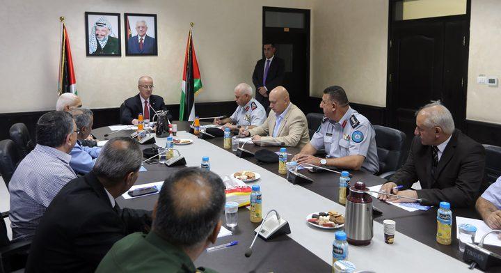 رئيس الوزراء يترأس اجتماعاً للدفاع المدني