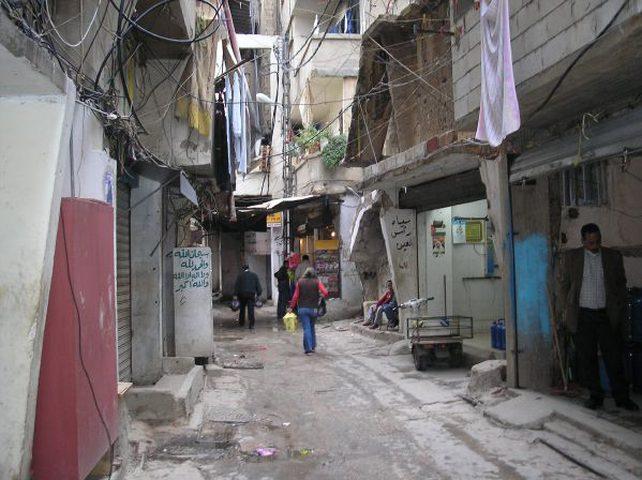 شؤون اللاجئين تبحث أوضاعهم في مخيم بعلبك بلبنان