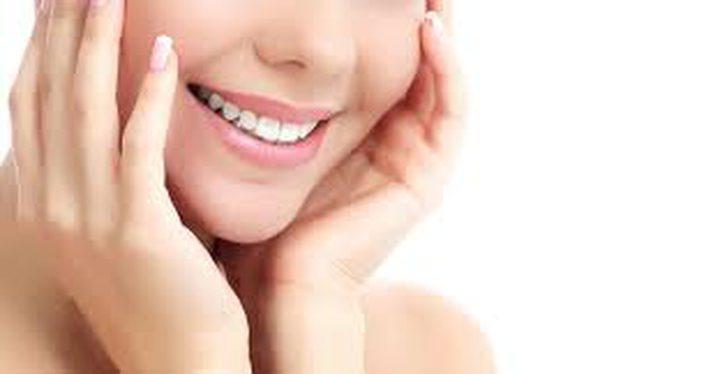 العلماء يكتشفون مادة لتبييض الأسنان بلا ضرر
