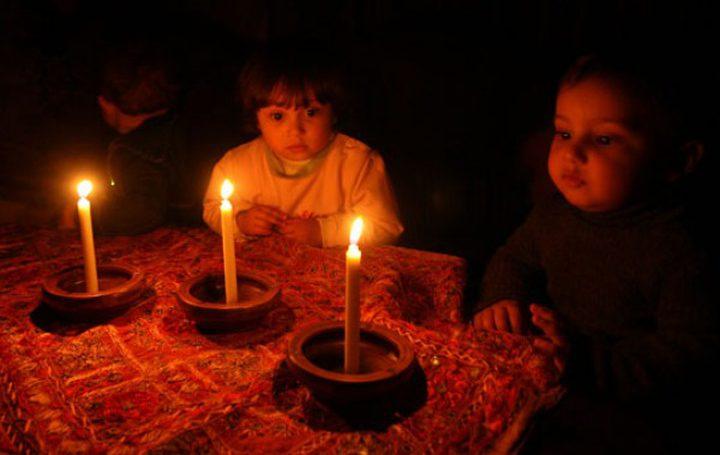 """""""أزمة الكهرباء"""" حولت الليل إلى نهار في غزة!"""