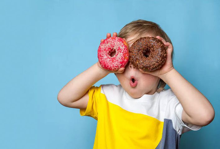 أطعمة احذري من تقديمها لطفلك في الحضانة