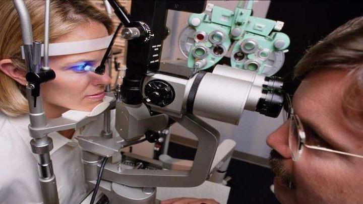اختبار بسيط للعين يتنبأ بخطر الإصابة بالخرف