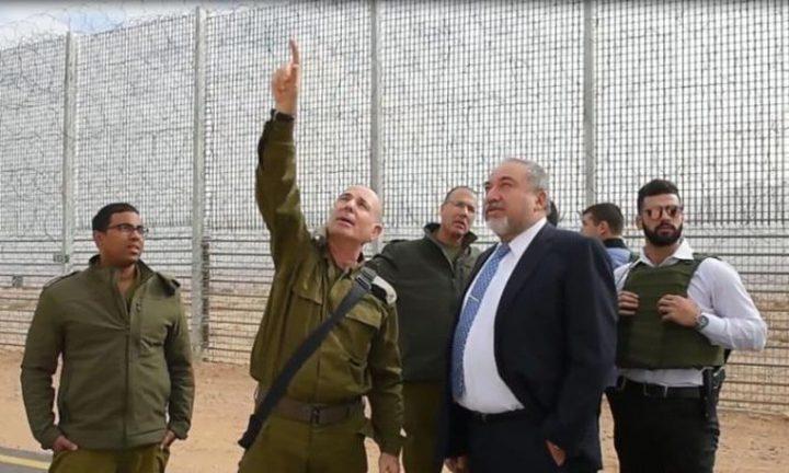 ليبرمان يدعو حماس إلى ضبط النفس وتجنب المواجهة