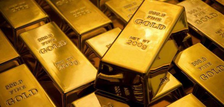 الذهب يهبط لأدنى مستوى في أسبوع.. كم سعر الأونصة؟