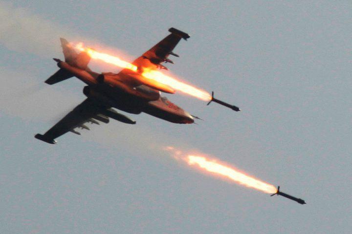 الاحتلال يستهدف مجموعة من المواطنين بصاروخ شرق غزة