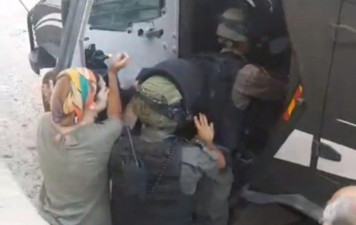الاحتلال يعتقل رسامين ايطاليين شمال بيت لحم