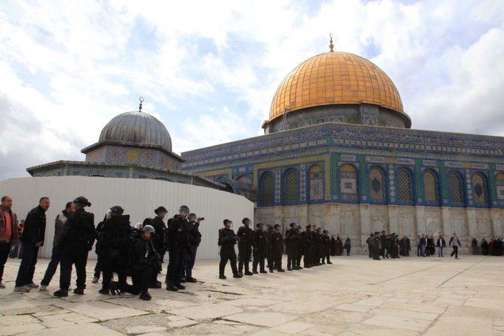 القدس: الاحتلال يبعد 19 شاباً ويمدد اعتقال قاصرين