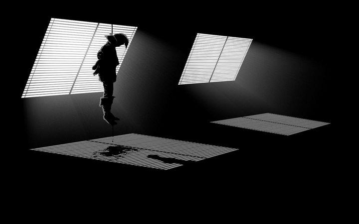 الانتحار..هل هو أزمة عابرة أم ظاهرة آخذة بالاتساع؟