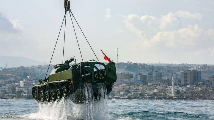 إغراق دبابات ومدافع لبنانية في البحر المتوسط
