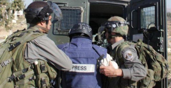 منتدى الإعلاميين يدين هجمة الاحتلال على الصحفيين