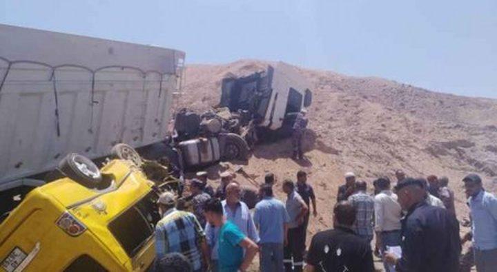 مصرع 7 أشخاص وإصابة آخر بحادث سير في العقبة