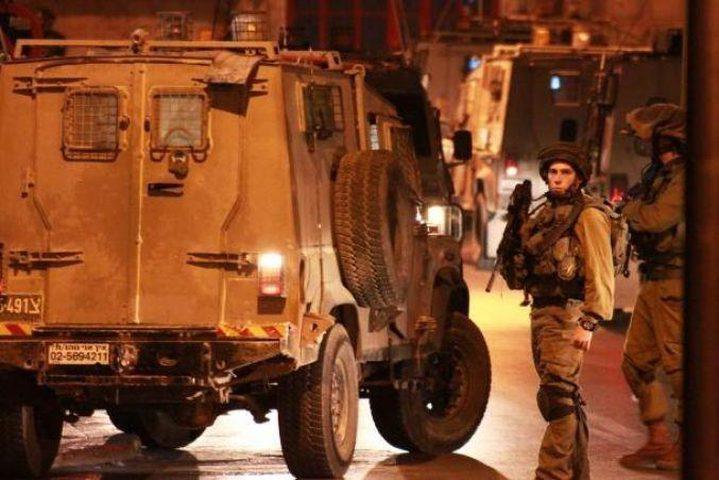 حملة اعتقالات فجر اليوم تطال 14 مواطناً
